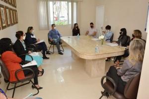 Reunião-com-a-saúde-pra-avaliação-de-retorno-às-aulas-11-05-768x512